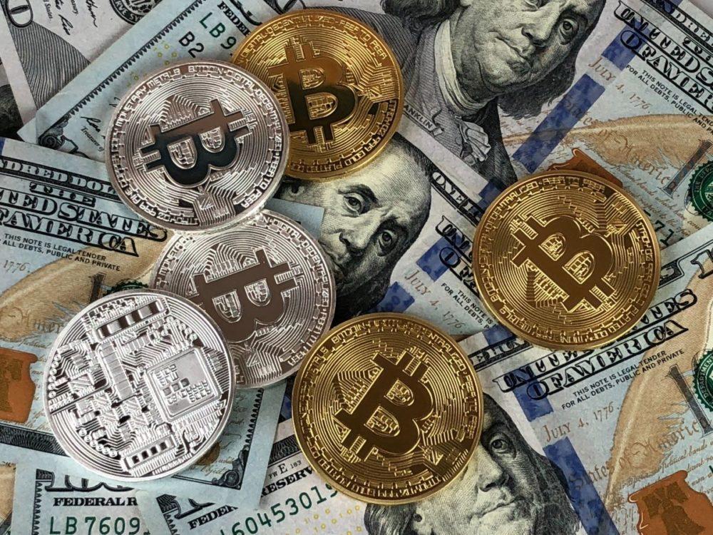 bitcoin, pieniądze, kryptowaluta, dolary, monety